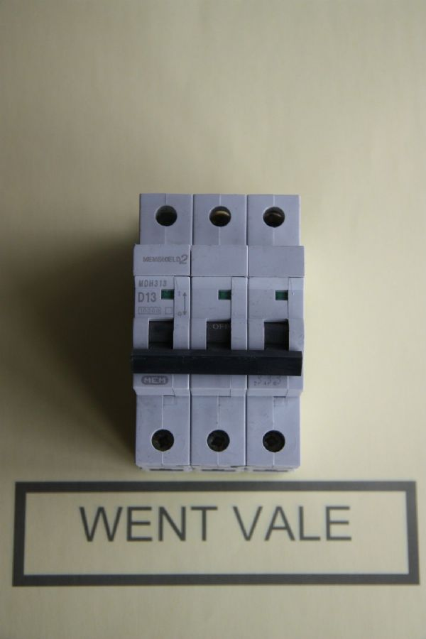 MEM Memshield 2 - MDH313 - 13a Type D Triple Pole MCB Used